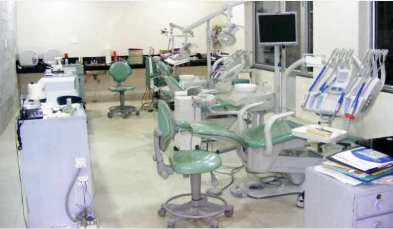 10 Renowned Dentists in Chandigarh with Service Charges and Clinic Details (2021)